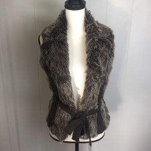 XOXO Faux Fur & Sweater Vest-M